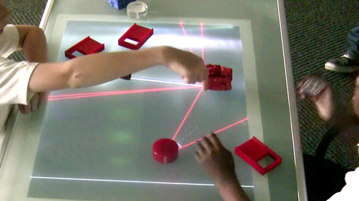 Two users using the Light table for scientific inquiry